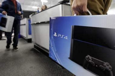 ה-PS4 Slim מקפיץ את המכירות הכלליות של ה-PS4
